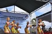 Tarian pembuka dalam acara Gerakan Pengutamaan Bahasa Negara di Ruang Publik
