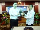 Kegiatan Penandatanganan MoU di IHDN Denpasar, 8 Mei 2017