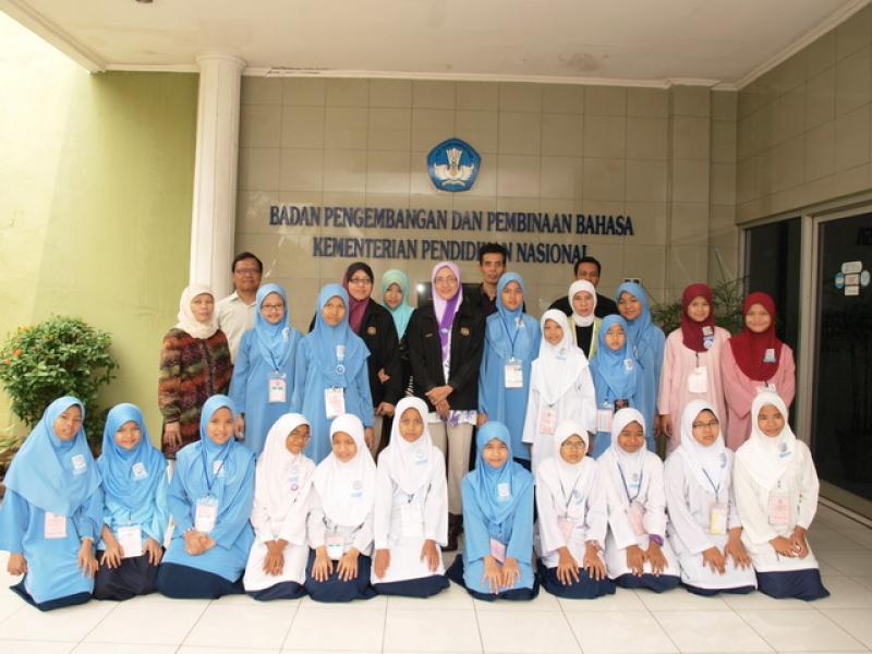 800 x 600 · 64 kB · jpeg, Kunjungan Siswa Sekolah Dasar Malaysia Ke